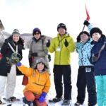 黒松内の「今田農場」で冬キャベツ掘り出し体験