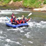 ニセコを流れる尻別川でアットホームなラフティングを楽しめる「アドベンチャースマイル」ツアー