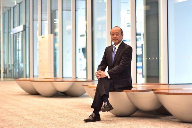 村木宏彰行政書士事務所の村木宏彰さんをインタビューする