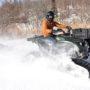 恵庭市の「バギーランド恵庭」で冬限定のクローラー4WDバギーに乗車